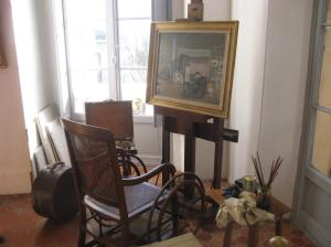 Renoir easel and chair