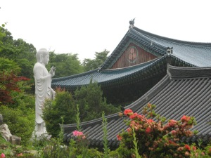 Yuongpyeongsa and Buddha